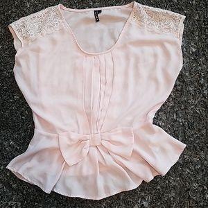 Light pink dress shirt sz m